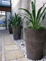 Dreamy Front Door Flower Pots Design Ideas To Increase Your Home Beauty 17