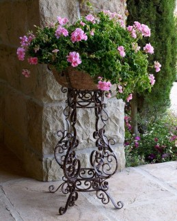 Dreamy Front Door Flower Pots Design Ideas To Increase Your Home Beauty 22