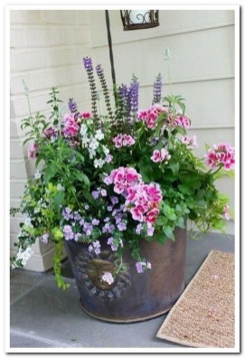 Dreamy Front Door Flower Pots Design Ideas To Increase Your Home Beauty 26