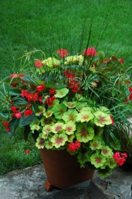 Dreamy Front Door Flower Pots Design Ideas To Increase Your Home Beauty 27
