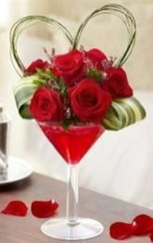 Excellent Valentine Floral Arrangements Ideas For Your Beloved People 36