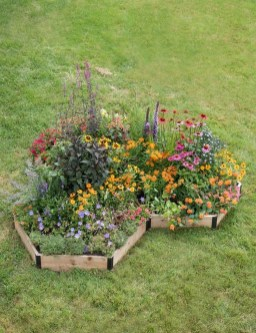 Favorite Garden Design Ideas That Are Suitable For Your Home 05