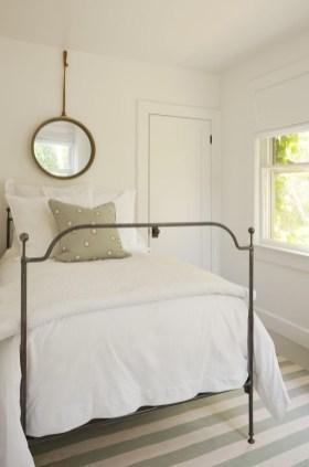 Gorgeous Beachy Farmhouse Bedroom Design Ideas For Cozy Sleep 09