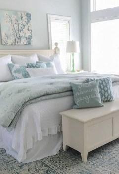 Gorgeous Beachy Farmhouse Bedroom Design Ideas For Cozy Sleep 16