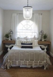 Gorgeous Beachy Farmhouse Bedroom Design Ideas For Cozy Sleep 19