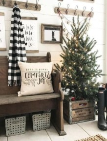 Marvelous Farmhouse Christmas Decor Ideas That You Must Try 18
