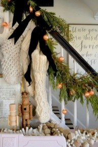 Marvelous Farmhouse Christmas Decor Ideas That You Must Try 19