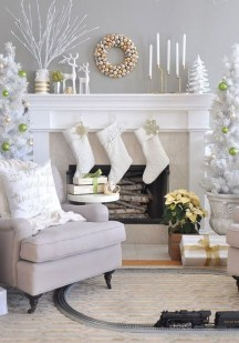 Marvelous Farmhouse Christmas Decor Ideas That You Must Try 28