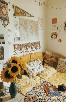 Perfect Dorm Room Organization Decor Ideas To Try Asap 04