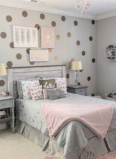 Relaxing Bedroom Wallpaper Decoration Ideas For Comfortable Bedroom 35