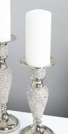 Stunning Large Candle Holders Decoration Ideas For Romantic Homes 06