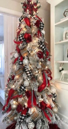 Beautiful Farmhouse Christmas Decor Ideas To Have Right Now 15