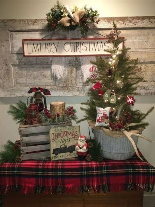 Beautiful Farmhouse Christmas Decor Ideas To Have Right Now 16