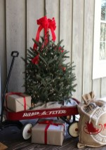 Beautiful Farmhouse Christmas Decor Ideas To Have Right Now 22
