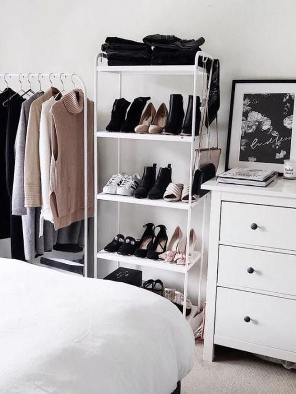 Dreamy Bedroom Organization Ideas That Will Enhance Home Storage 16