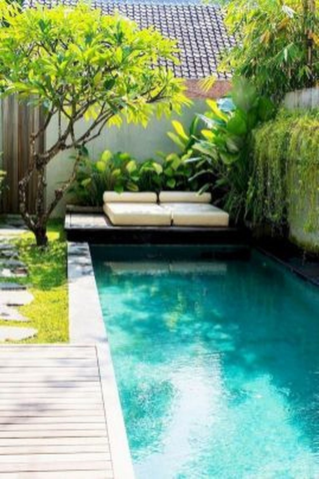 Flawless Small Pool Landscaping Design Ideas For Enchanting Home Outside 17