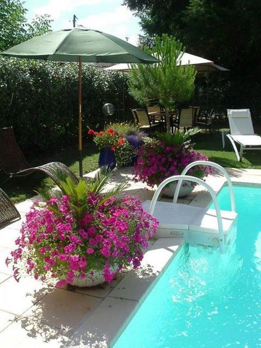 Flawless Small Pool Landscaping Design Ideas For Enchanting Home Outside 32