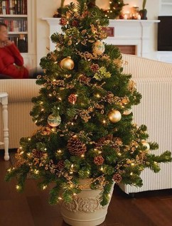 Pretty Christmas Decor Ideas For Small Space To Try Asap 05
