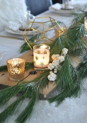 Pretty Winter Table Decoration Ideas For A Romantic Dinner 07