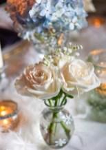 Pretty Winter Table Decoration Ideas For A Romantic Dinner 23