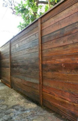Surpising Fence Design Ideas To Enhance Your Beautiful Yard 08