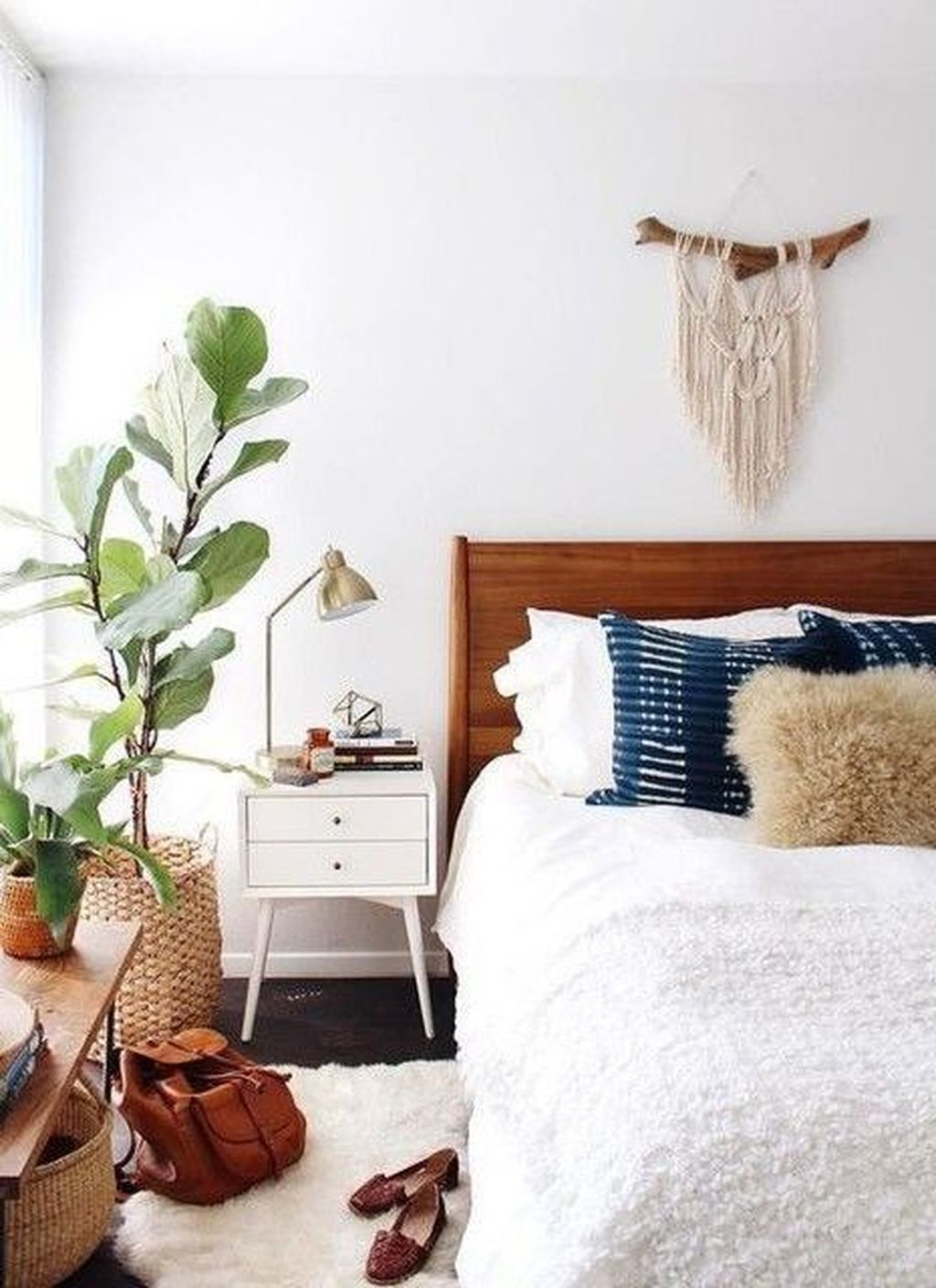 Admiring Bedroom Decor Ideas To Have Right Now 13