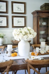 Amazing Dining Room Table Decor Ideas To Try Soon 34