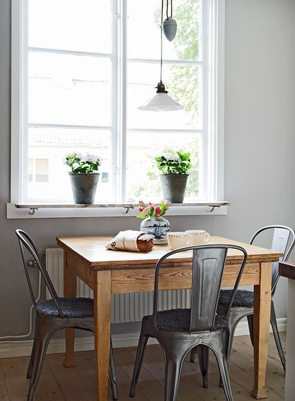 Awesome Small Dining Room Table Decor Ideas To Copy Asap 34