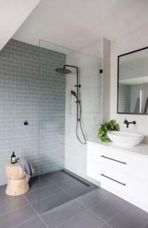 Chic Blue Shower Tile Design Ideas For Your Bathroom 04