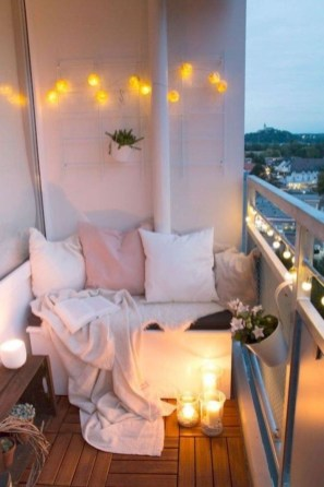 Enchanting Balcony Decoration Ideas For Apartment For A Cleaner Look 31