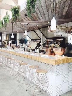 Enjoying Outdoor Bar Design Ideas To Relax Your Family 20