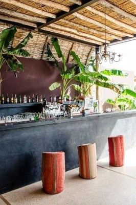 Enjoying Outdoor Bar Design Ideas To Relax Your Family 24