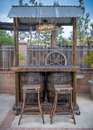 Enjoying Outdoor Bar Design Ideas To Relax Your Family 26