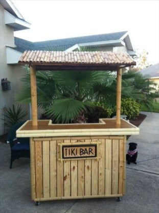 Enjoying Outdoor Bar Design Ideas To Relax Your Family 31