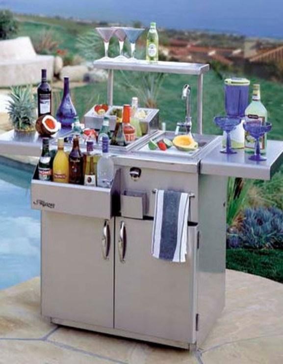 Enjoying Outdoor Bar Design Ideas To Relax Your Family 33