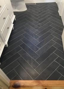 Fantastic Black Floor Tiles Design Ideas For Modern Bathroom 05