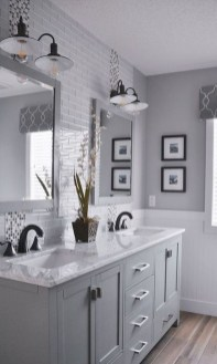 Perfect Master Bathroom Design Ideas For Small Spaces To Have 11