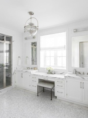 Perfect Master Bathroom Design Ideas For Small Spaces To Have 26