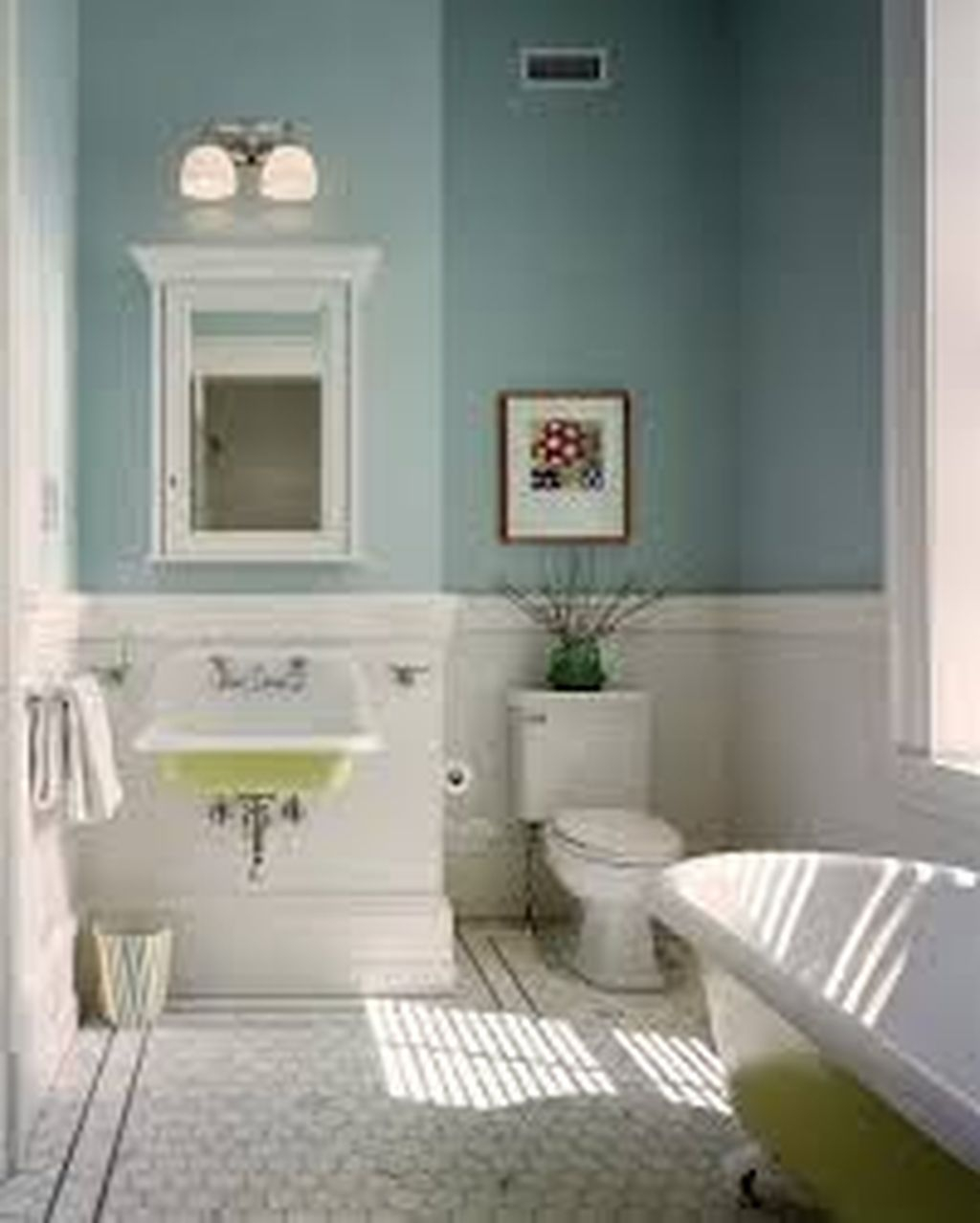 Popular Traditional Small Bathroom Decor Ideas To Try Asap 07