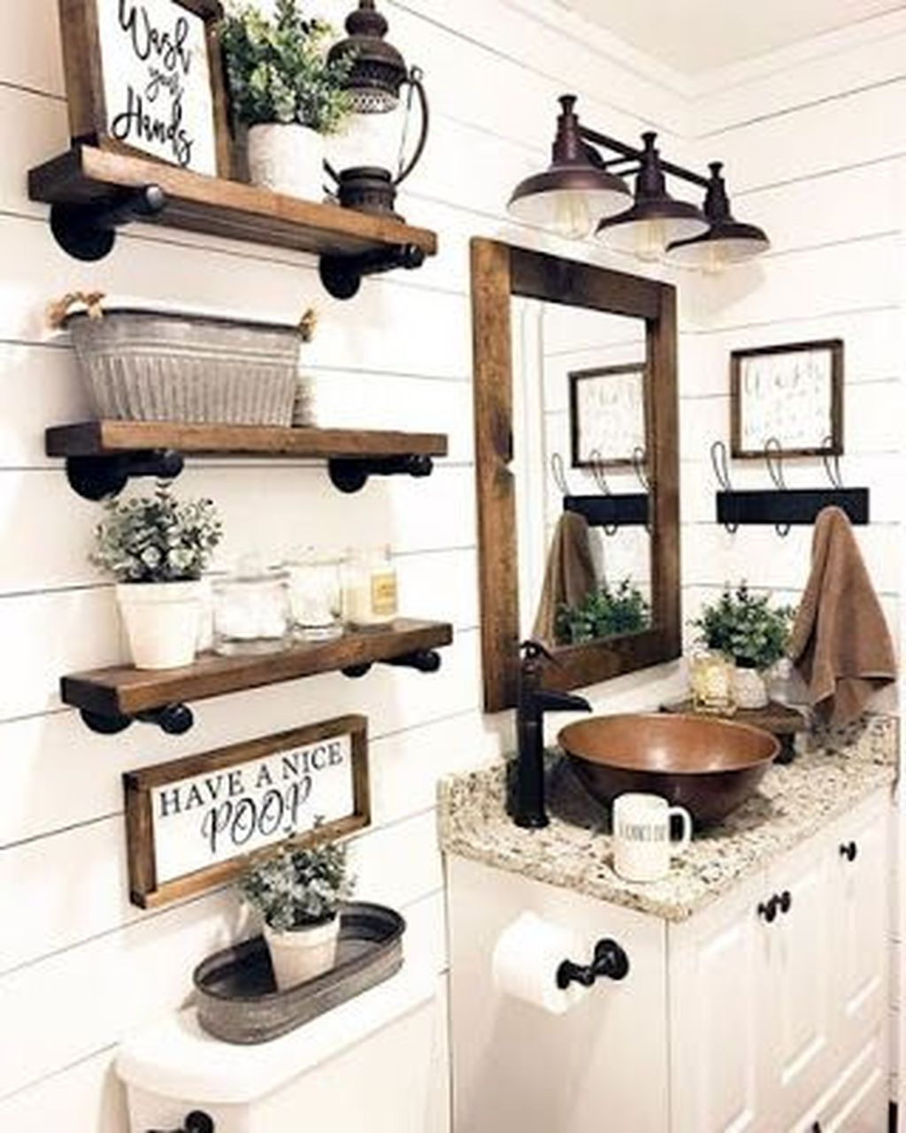 Popular Traditional Small Bathroom Decor Ideas To Try Asap 16