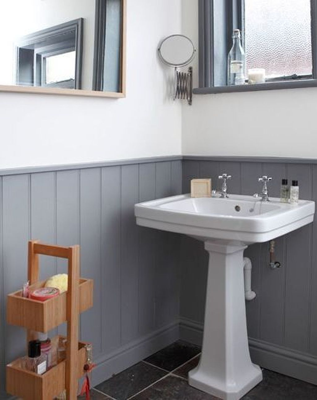 Popular Traditional Small Bathroom Decor Ideas To Try Asap 27