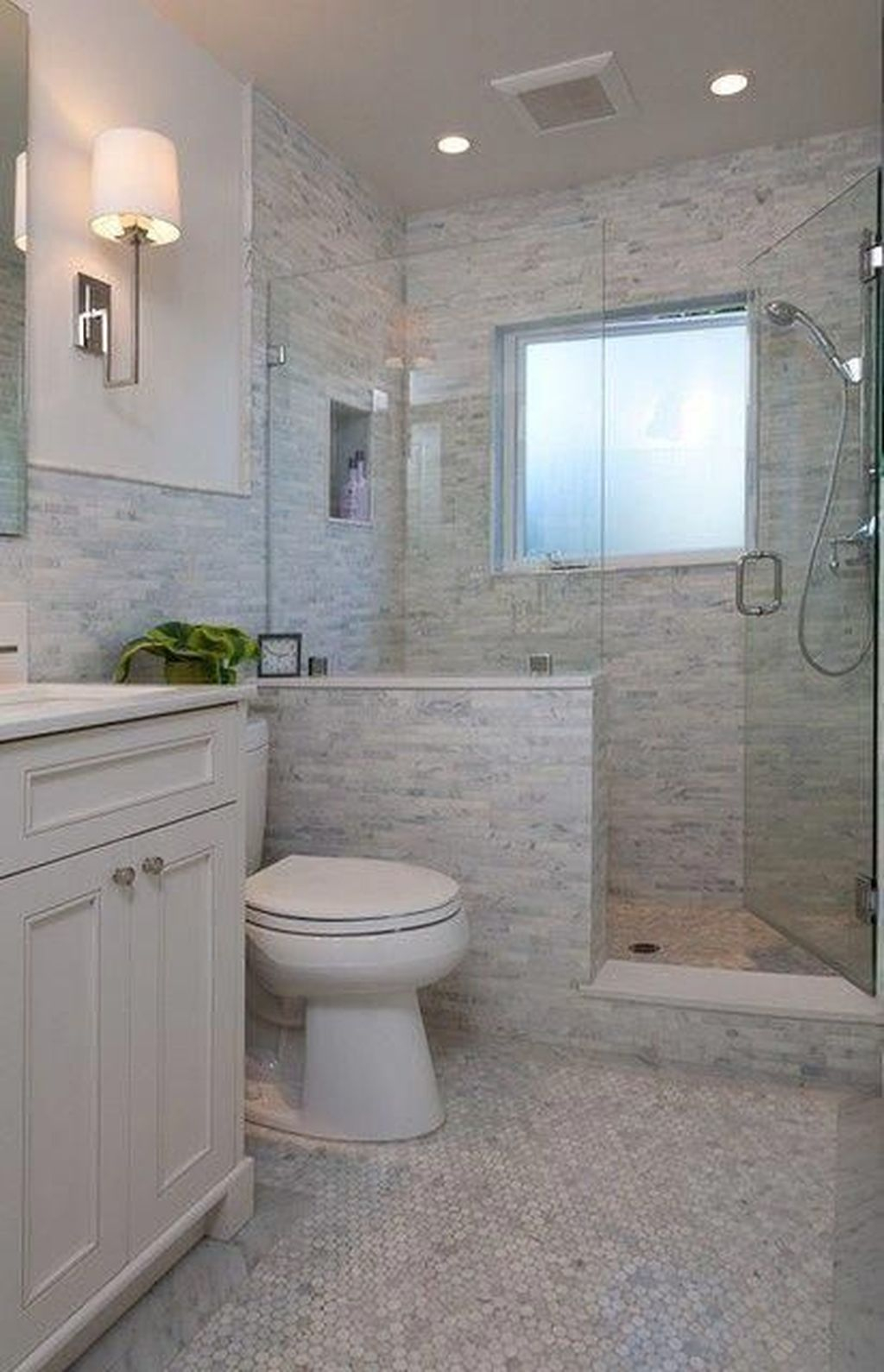 Popular Traditional Small Bathroom Decor Ideas To Try Asap 34