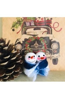 Casual Winter Decorating Ideas For Pet Lovers To Try Right Now 40