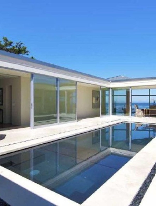 Elegant Black Swimming Pool Design Ideas That All Men Must Know 28