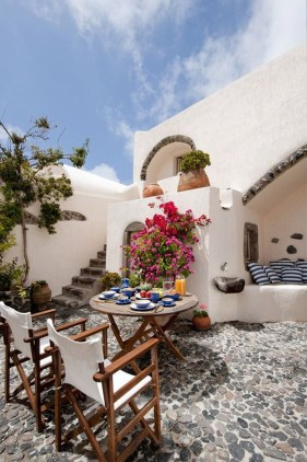 Enjoying Mediterranean Style Design Ideas For Your Home Décor 07