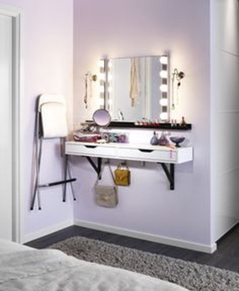 Enjoying Wall Decor Ideas For Tiny Space To Try Right Now 12