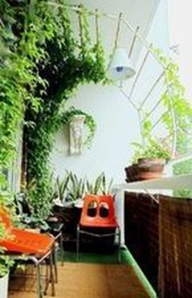Relaxing Tiny Balcony Decor Ideas To Try This Month 09