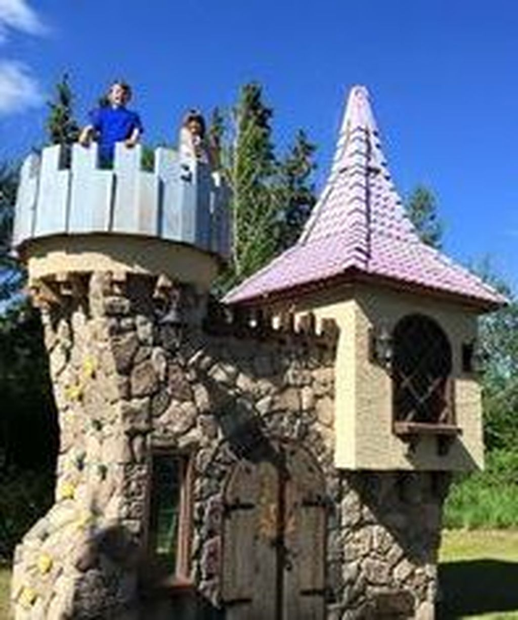 Attractive Outdoor Kids Playhouses Design Ideas To Try Right Now 01