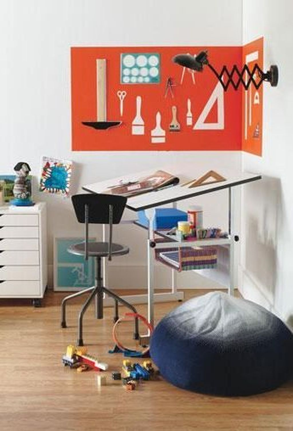 Captivating Girl Workspace Design Ideas That Looks So Cute 09