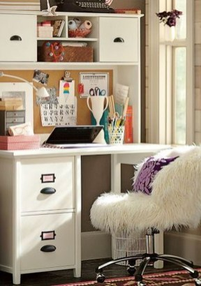 Captivating Girl Workspace Design Ideas That Looks So Cute 15